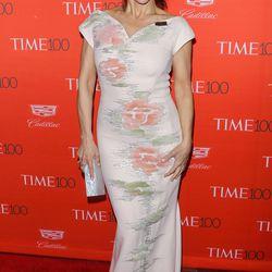 Julia Louis-Dreyfus wears Carolina Herrera.