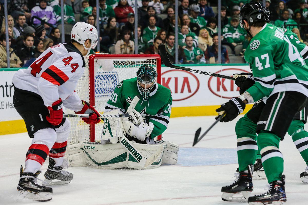 NHL: JAN 04 Devils at Stars