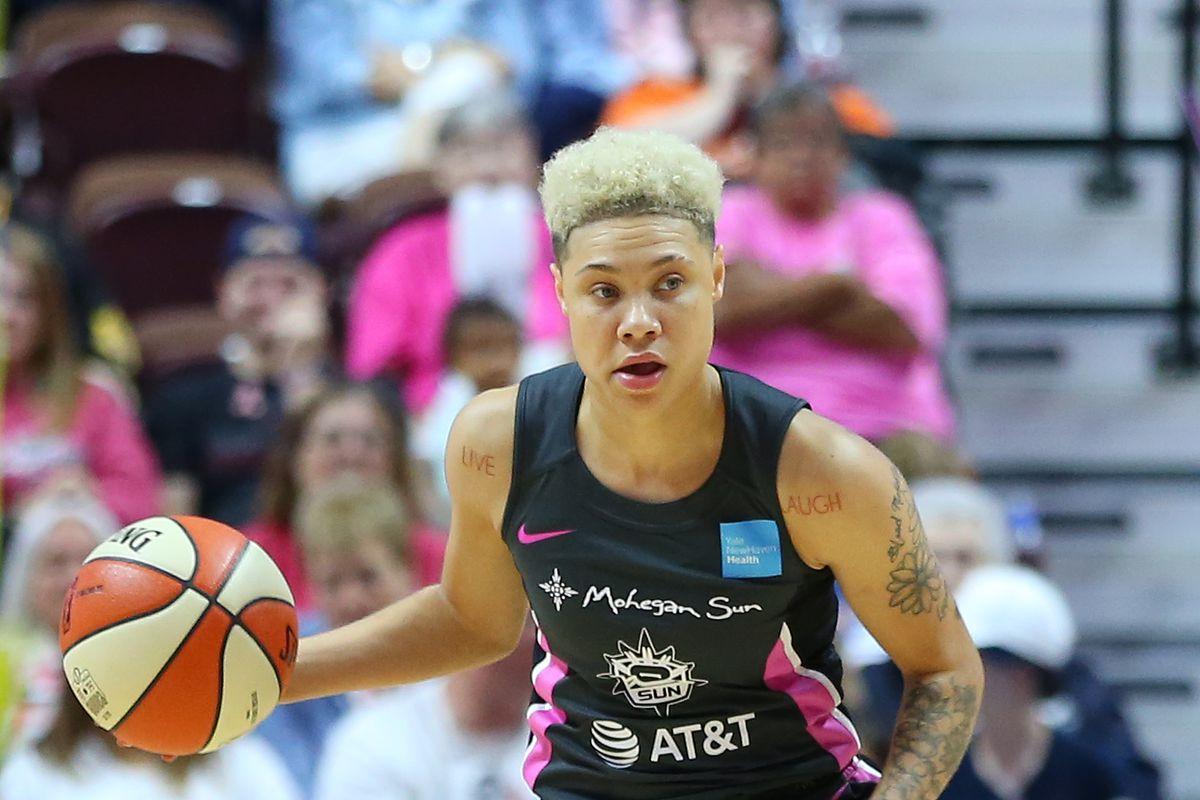 WNBA: AUG 18 Dallas Wings at Connecticut Sun