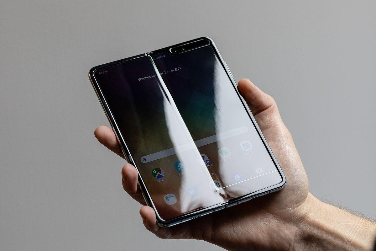 Diving Into The Broken Samsung Galaxy Fold Phone Fiasco The Verge
