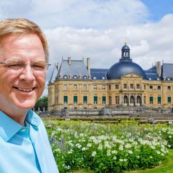 """Travel documentary host Rick Steves in front of the Vaux-le-Vicomte chateau in France on """"Rick Steves' Europe,"""" a series to be featured on KUED's new Create channel."""
