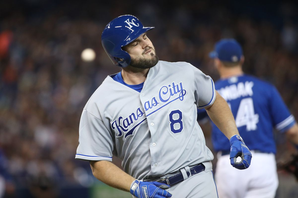 new product 0c8f7 0c5a0 Royals re-sign Mike Moustakas to one-year deal - Royals Review