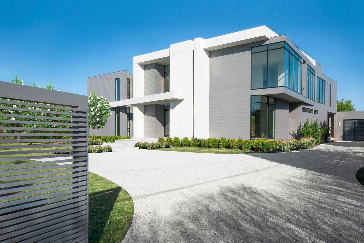 Superb New Bridgehampton Construction With 11 000 Sq Ft Asks Download Free Architecture Designs Jebrpmadebymaigaardcom