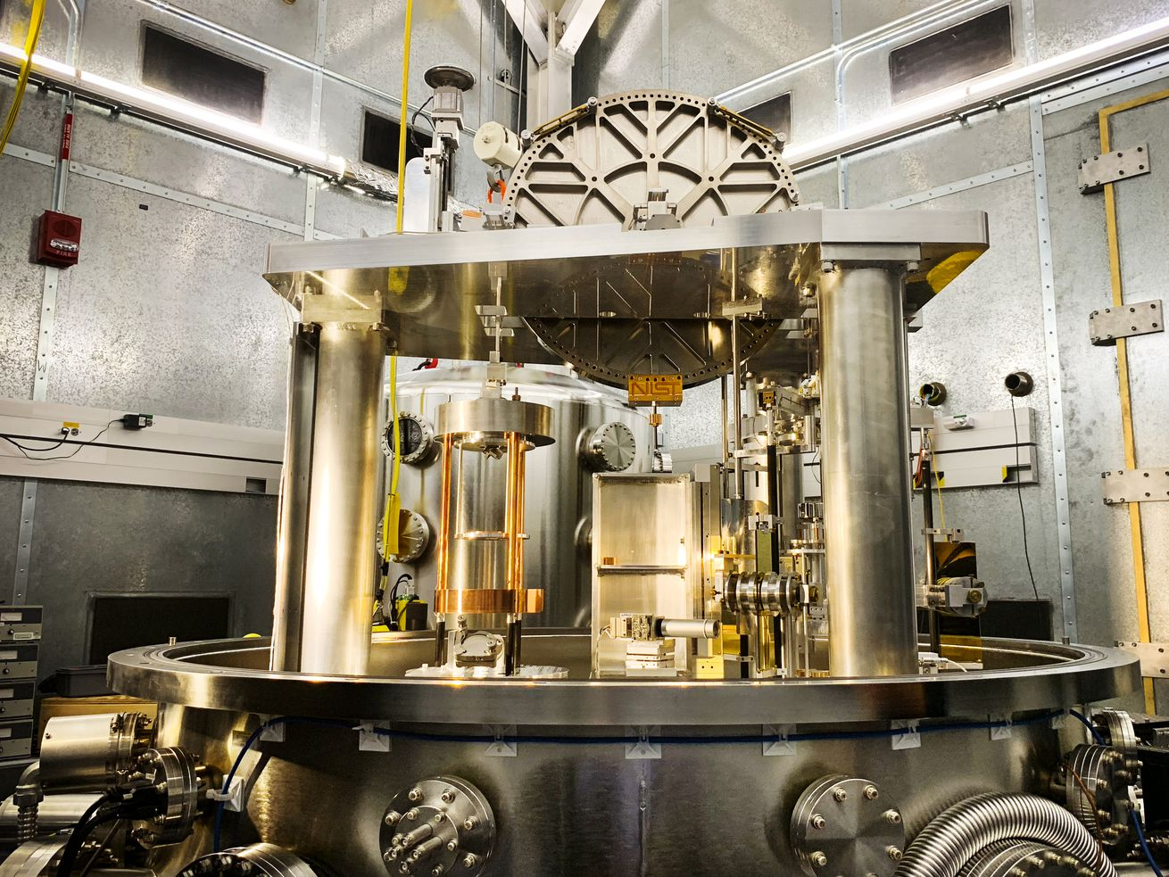 The Kibble balance is the machine that makes the redefinition of the kilogram possible.