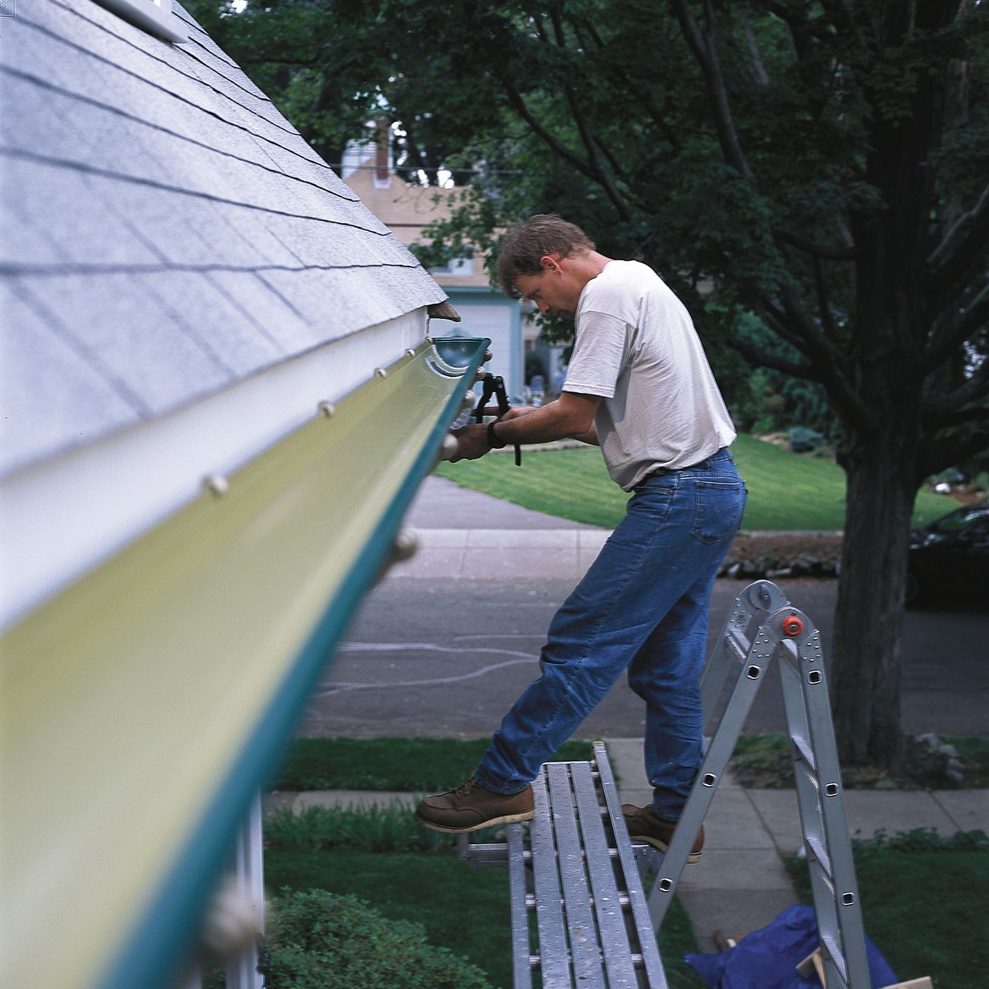 Rain Gutters Installation In 9 Steps This Old House