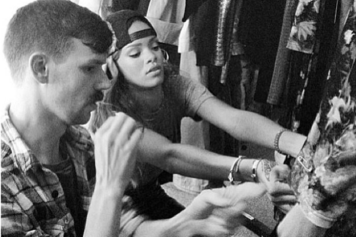 """Coming this fall, more <a href=""""http://instagram.com/p/YlL7eWBM1u/"""">Rihanna for River Island</a>"""