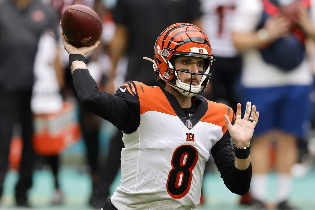 Quarterback Brandon Allen of the Cincinnati Bengals throws a pass in the first quarter of the game against the Miami Dolphins at Hard Rock Stadium on December 06, 2020 in Miami Gardens, Florida.