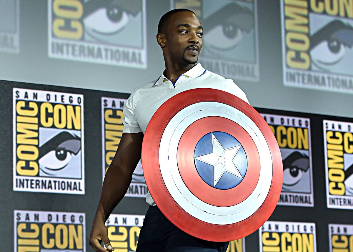 Anthony Mackie with Captain America shield at Comic-Con 2019