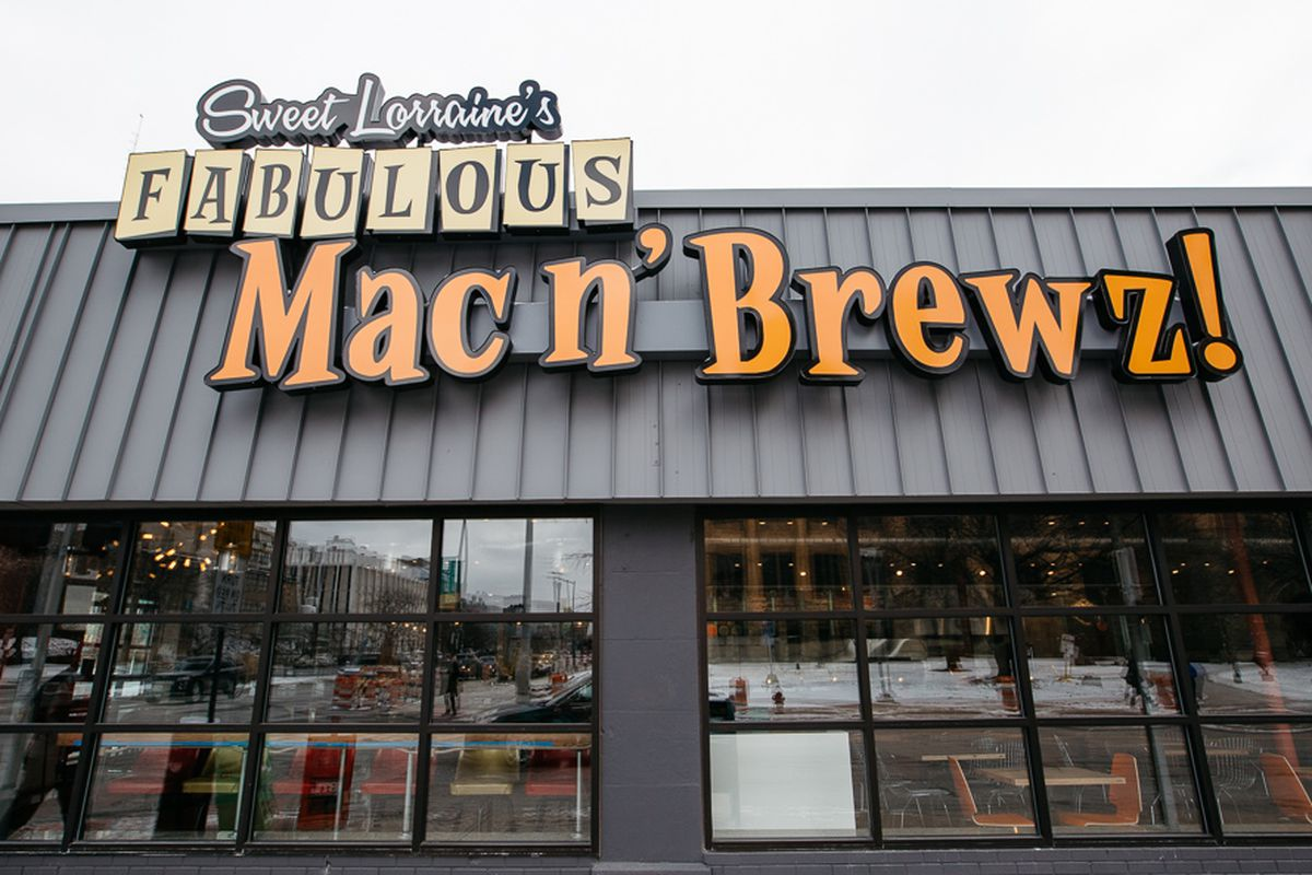 Sweet Lorraine's Mac n' Brewz.