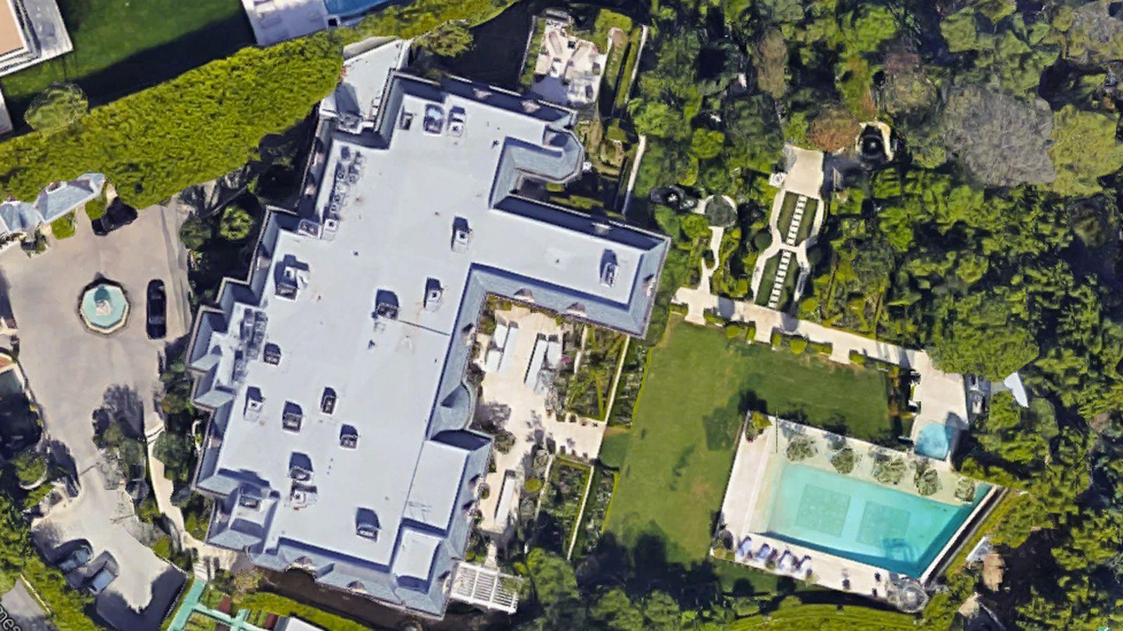 Incredibly Lavish Mohamed Hadid Built Megamansion Is Back