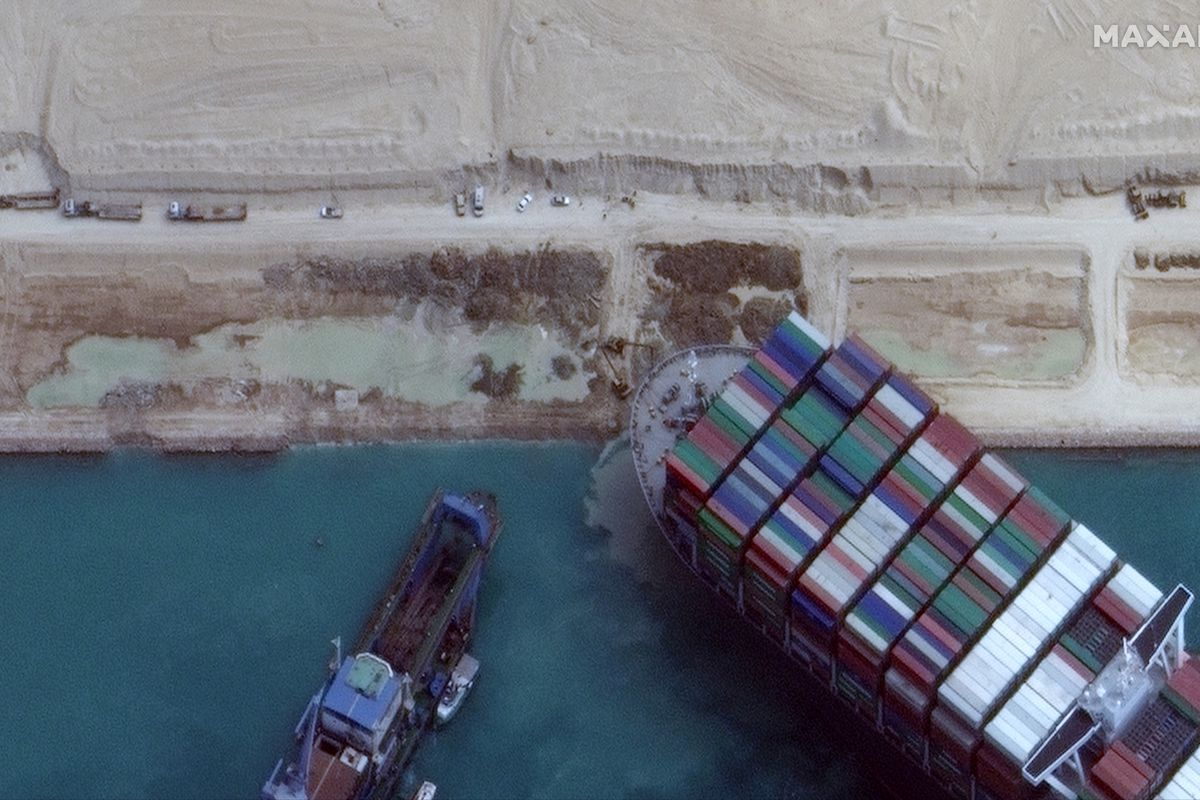 News: Container Ship Stuck In Suez Canal