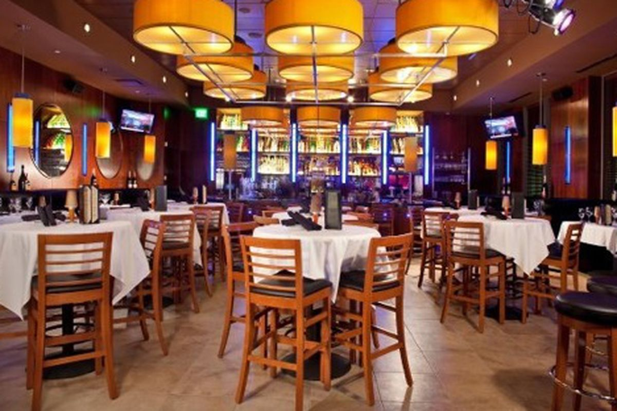 The dining room at Ocean Prime.