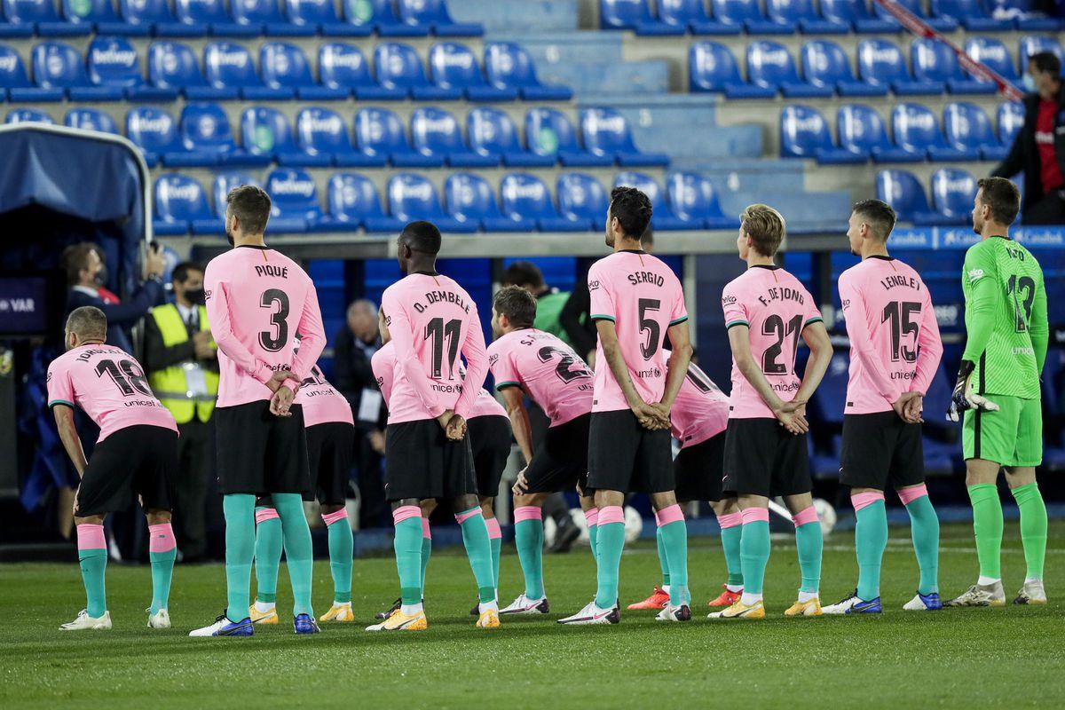 Deportivo Alaves v FC Barcelona - La Liga Santander