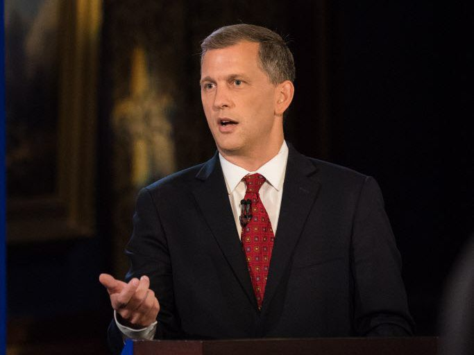 Sean Casten debates Rep. Peter Roskam at Union League Club of Chicago on July 26, 2018. | Max Herman/For the Sun-Times