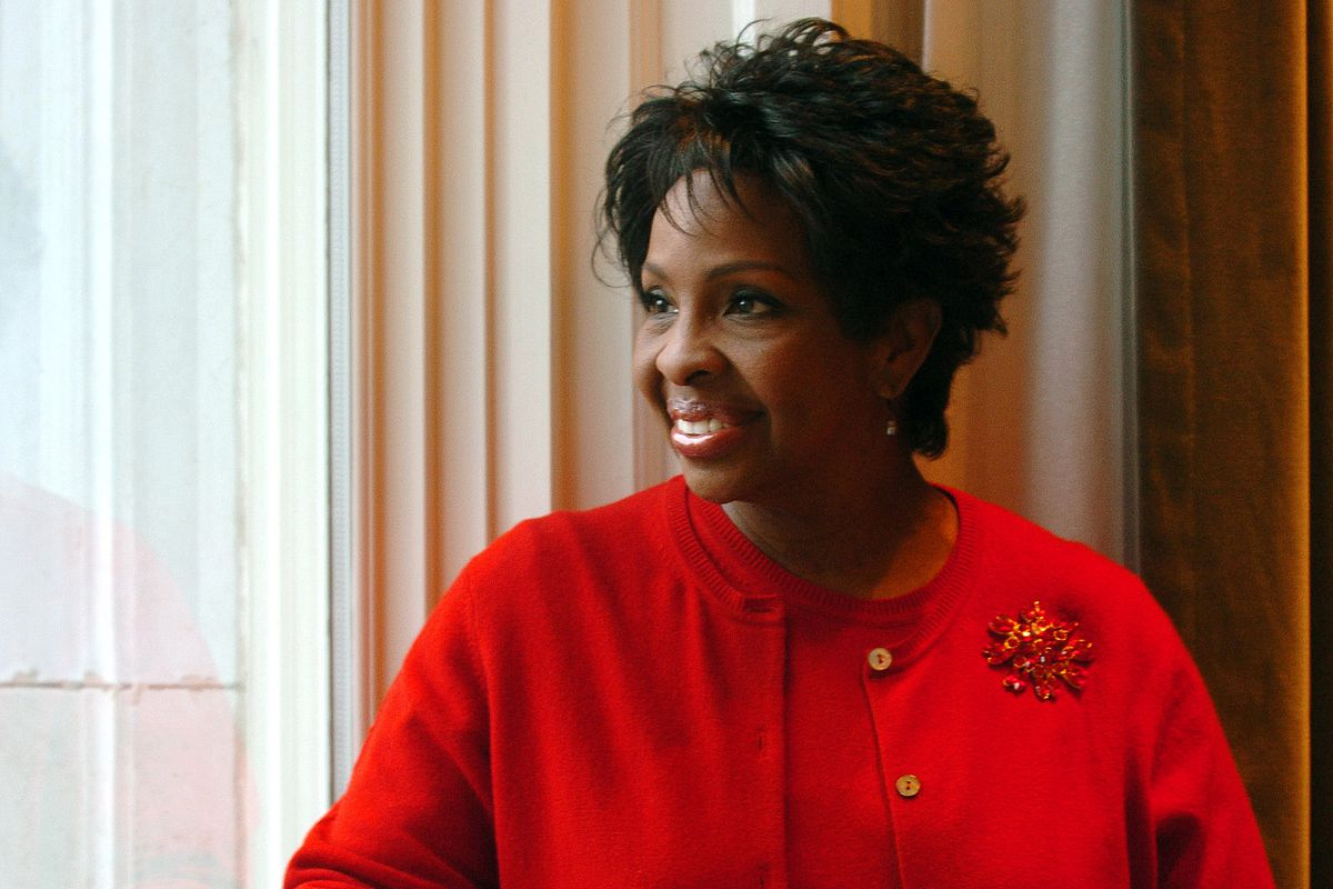 Singer Gladys Knight poses for a photo while at the Joseph Smith Memorial building in Salt lake Monday Febraury 14, 2005. Photo by Scott G. Winterton/Deseret Morning News February 14, 2005. (Submission date: 02/14/2005)