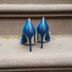 SJP is notorious for giving peeks of her Met looks on social media and she just instagrammed these blue shoes from her collection.