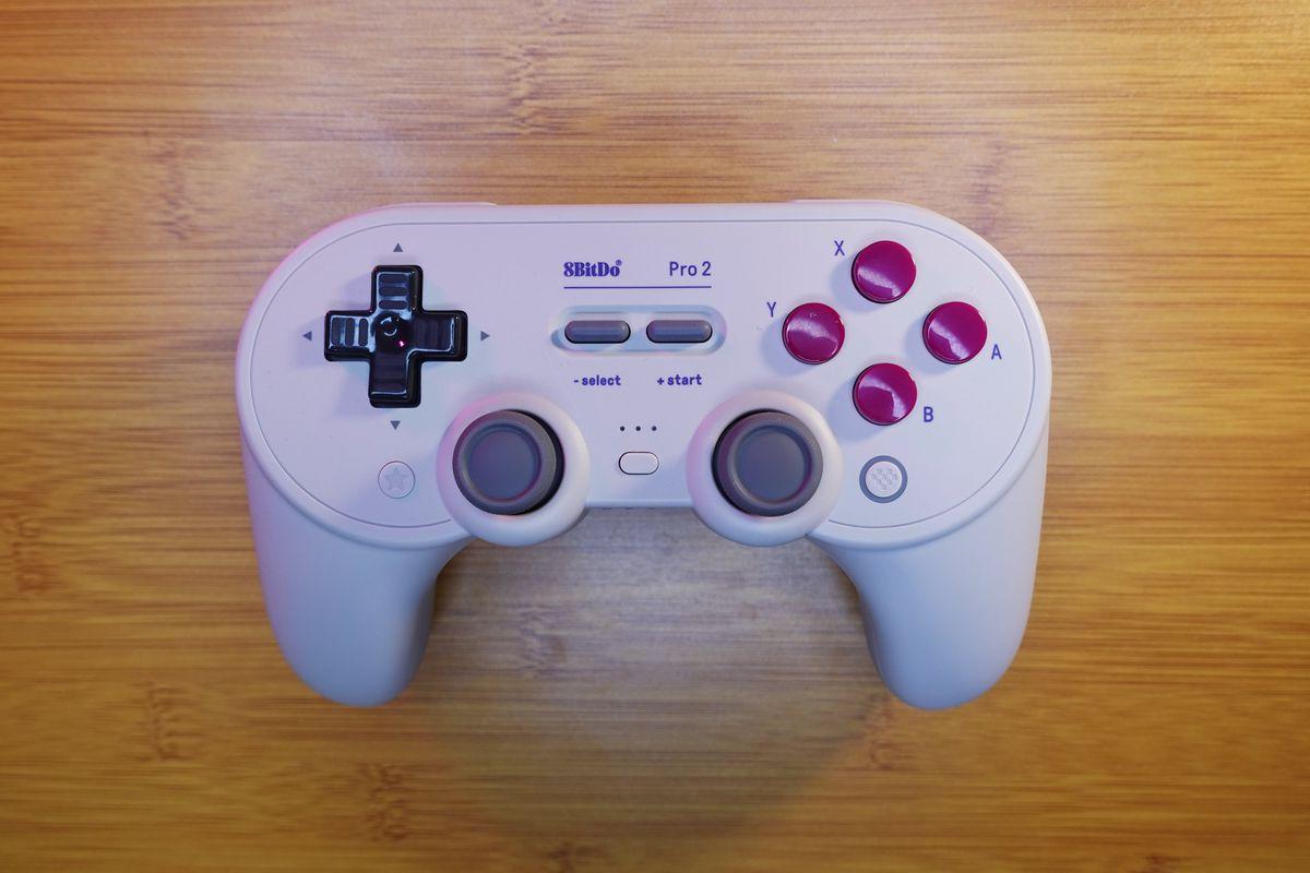Il controller Nintendo Switch 8Bitdo Pro 2