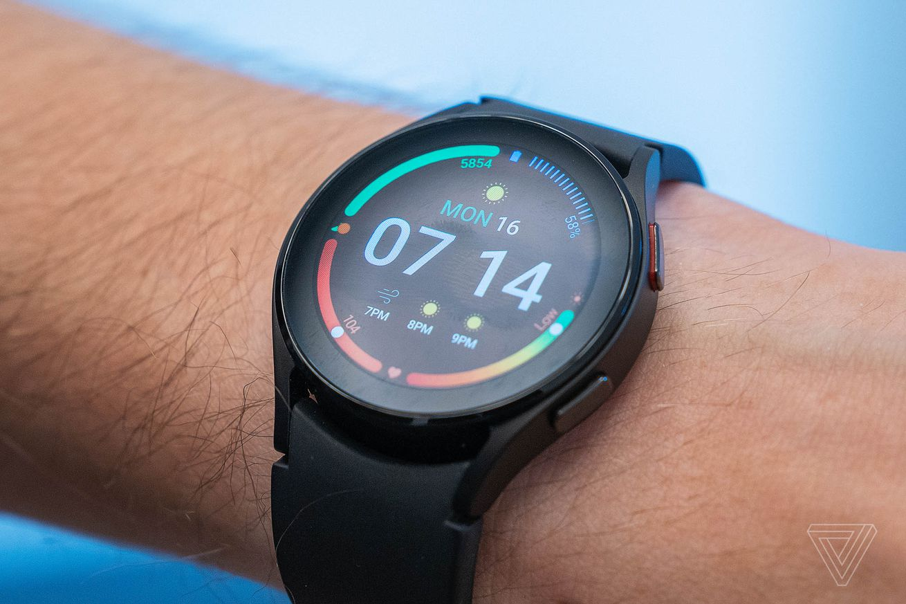 The regular Galaxy Watch 4 has a touch-sensitive bezel, which is fiddly.