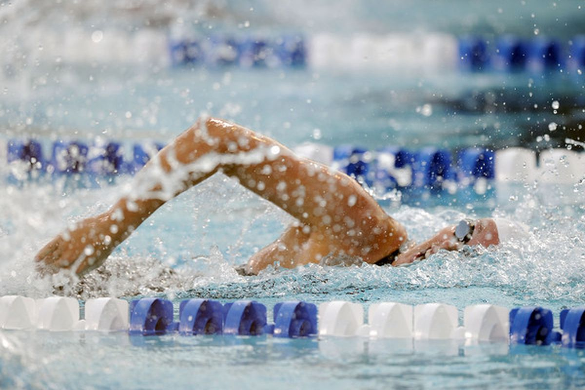 IRVINE CA - AUGUST 04:  Allison Schmitt swims to a win in the Women 200 LC Meter Freestyle Final at the William Woollett Jr. Aquatics Complex on August 4 2010 in Irvine California.  (Photo by Harry How/Getty Images)