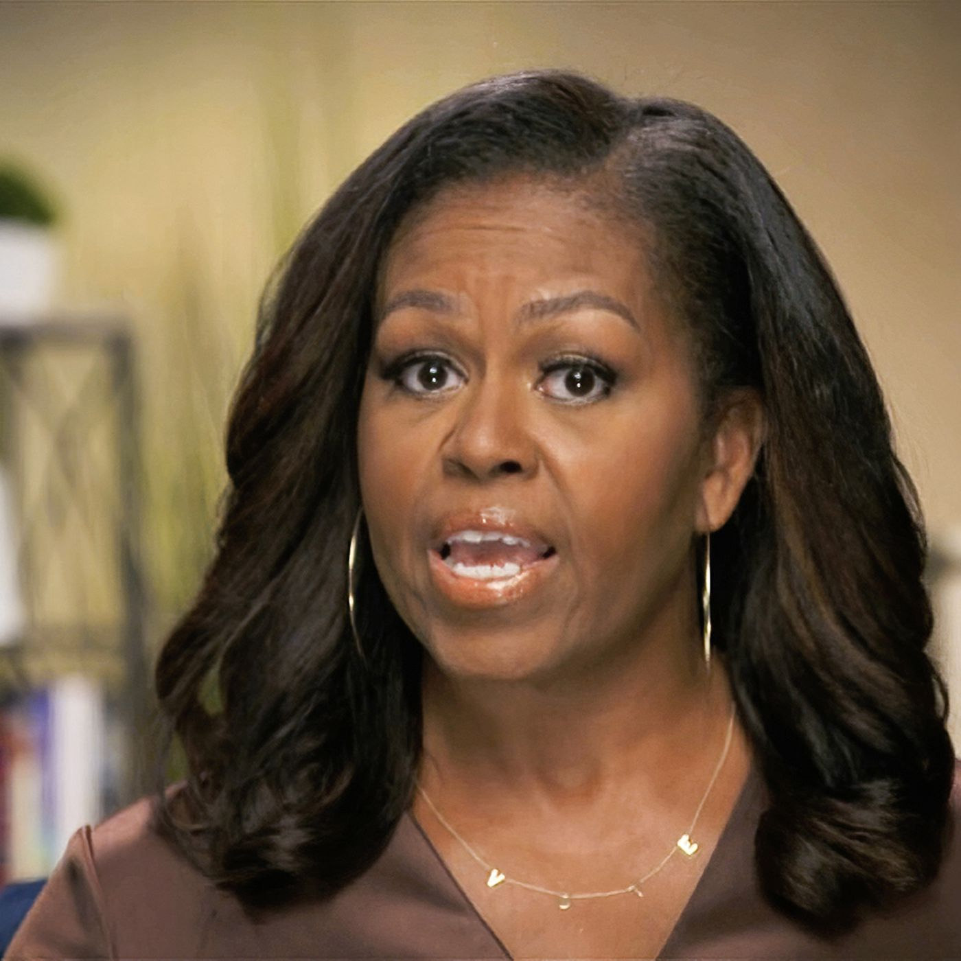 Michelle Obama S Vote Necklace Sent A Viral Message To Dnc 2020 Viewers Vox