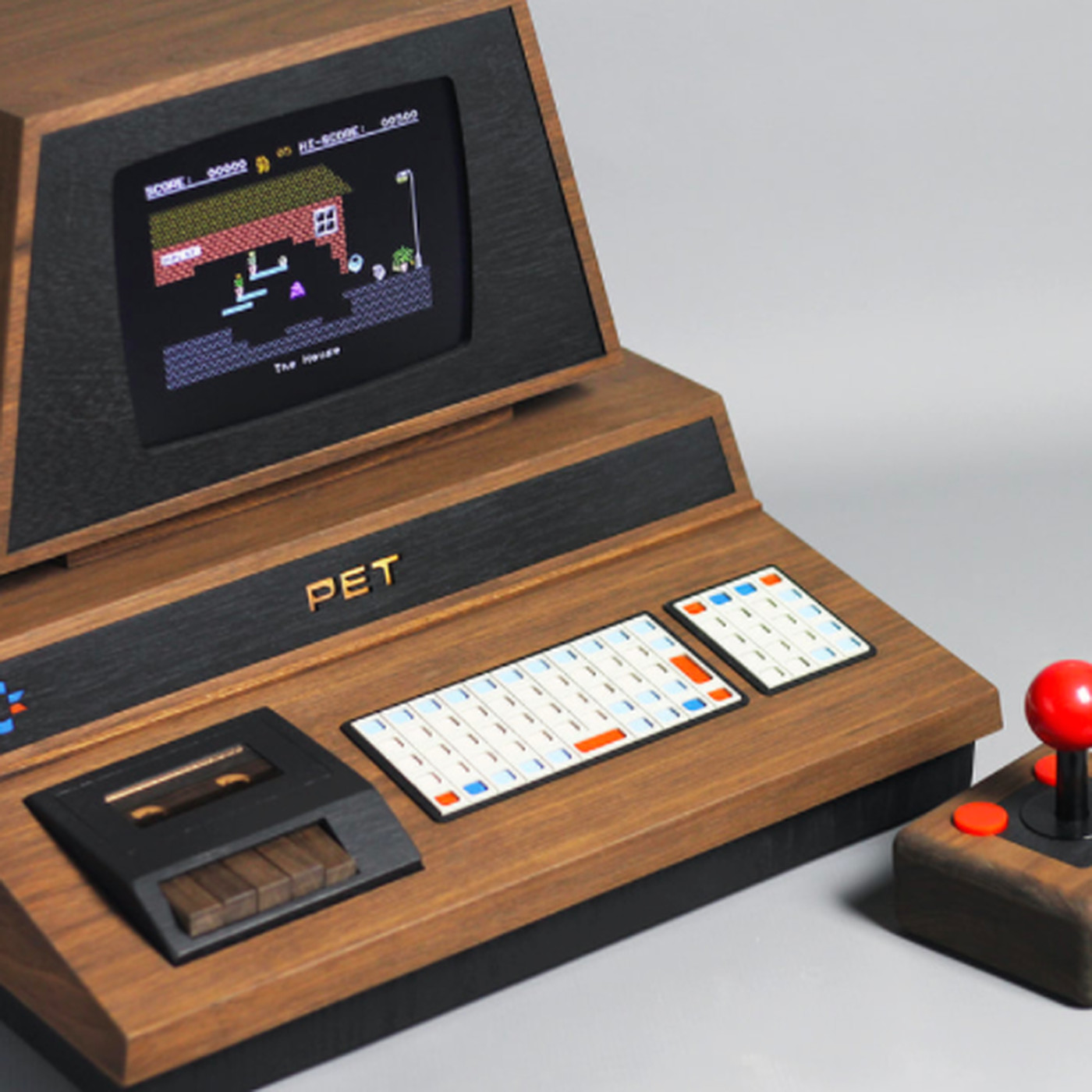 This custom Commodore PET 2001 is a beautifully crafted retro gaming