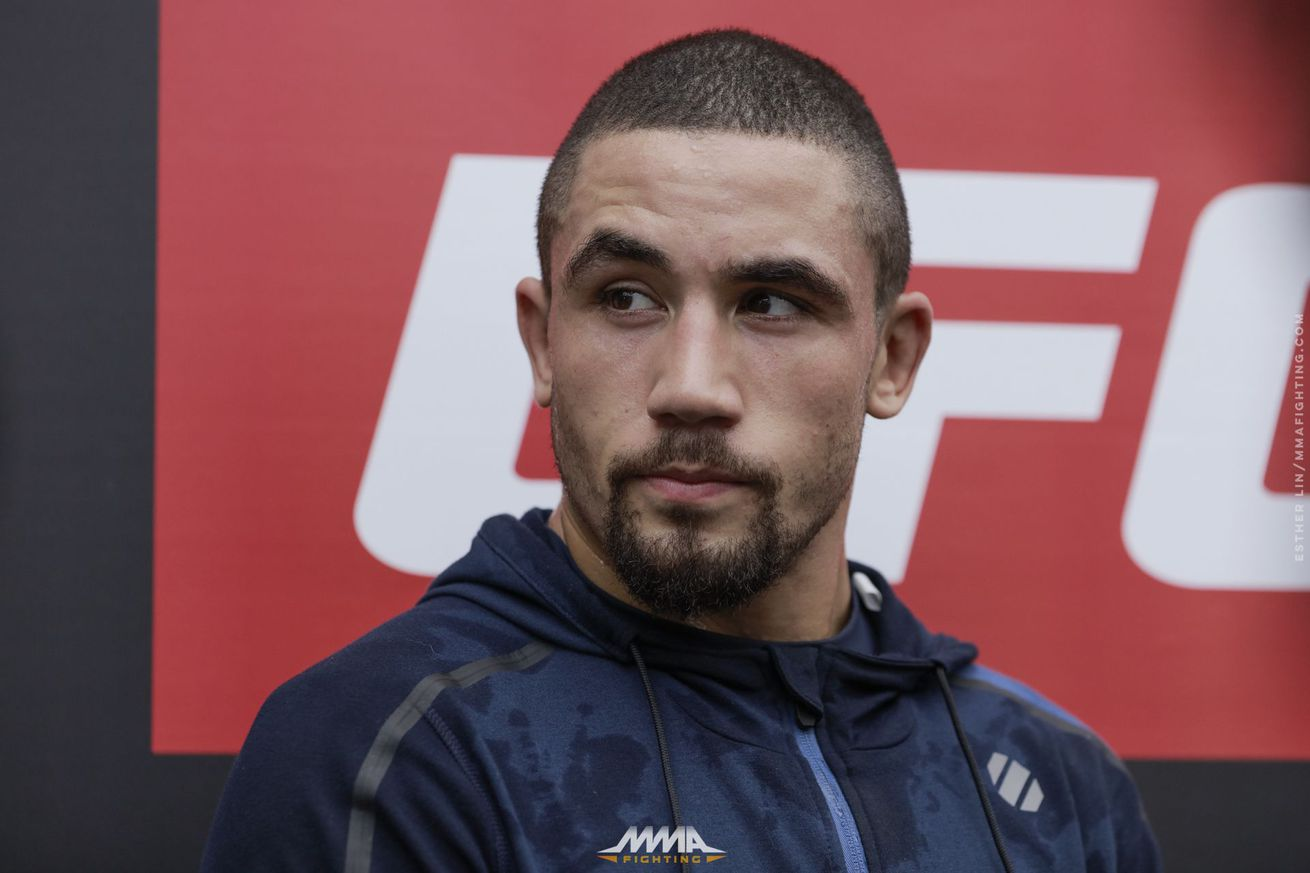 UFC 213 Embedded, Episode 3: Robert Whittaker loves Twinkies