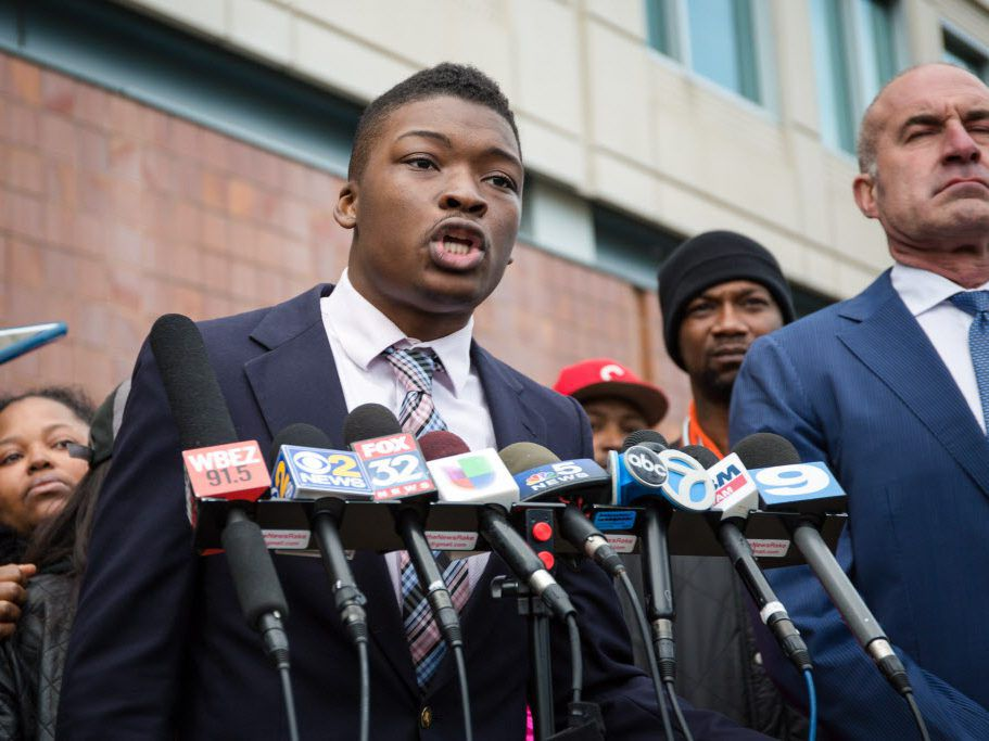 Activist Ja'Mal Green spoke at a press conference outside Chicago Police headquarters in 2016. File Photo. | Santiago Covarrubias/Sun-Times