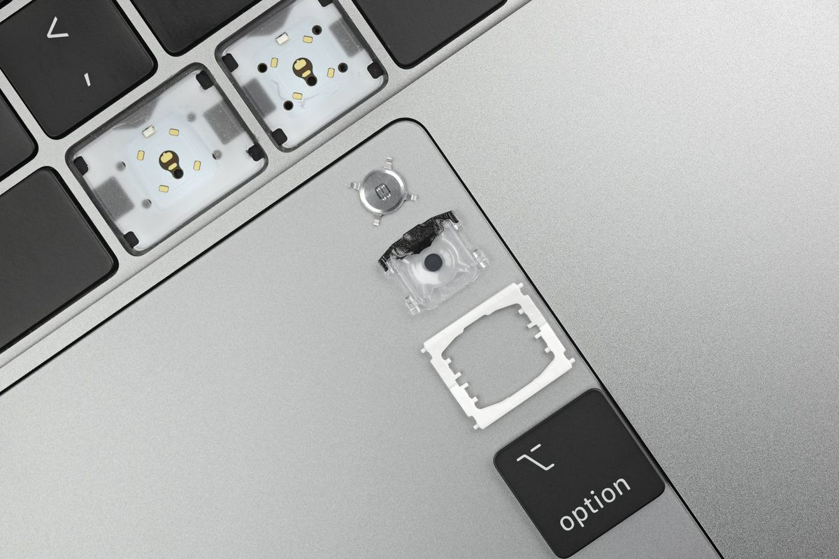 c858a409d89 Apple's keyboard 'material' changes on the new MacBook Pro are minor at best