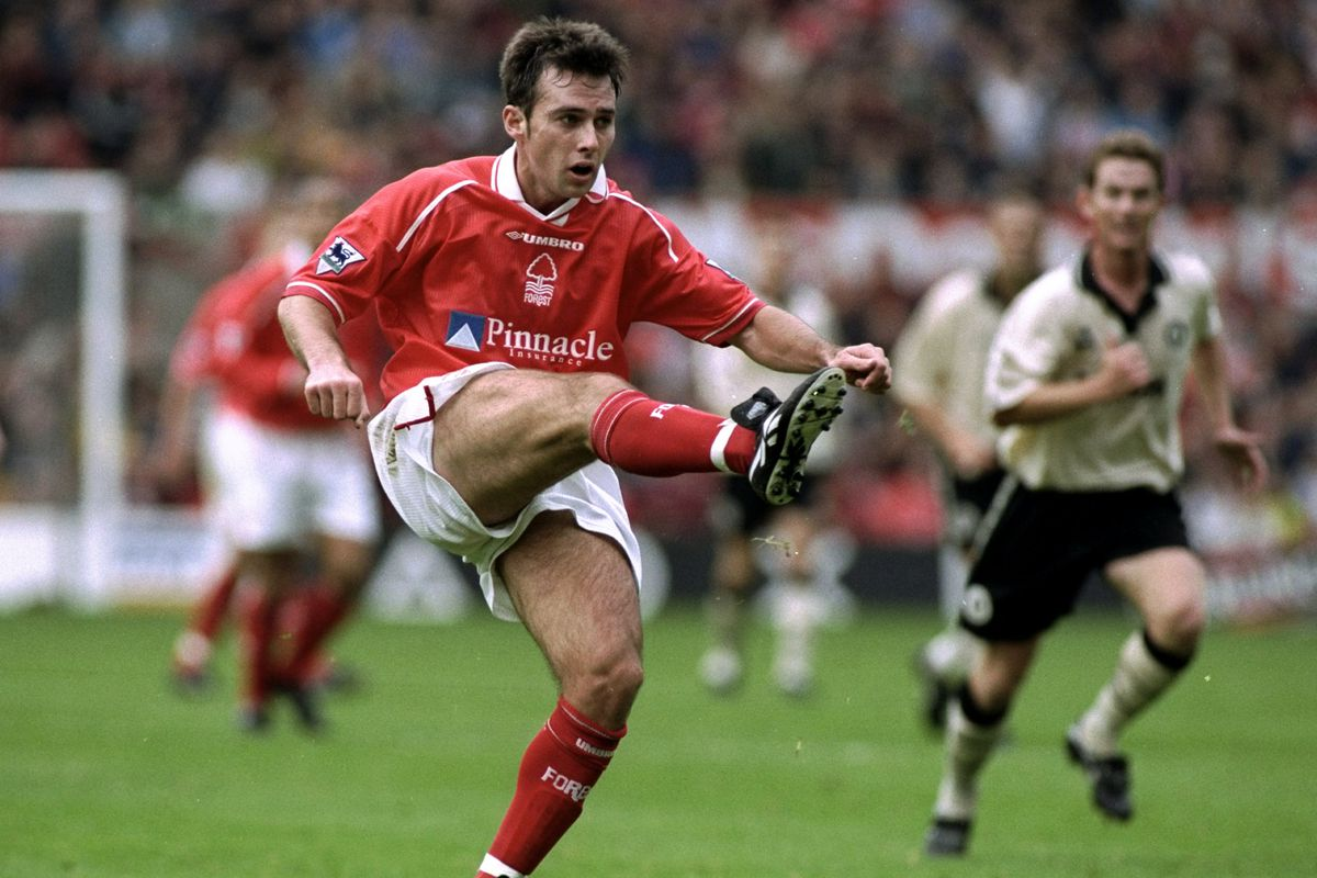3 Oct 1998: Dougie Freedman of Nottingham Forest in action during the FA Carling Premiership match against Charlton