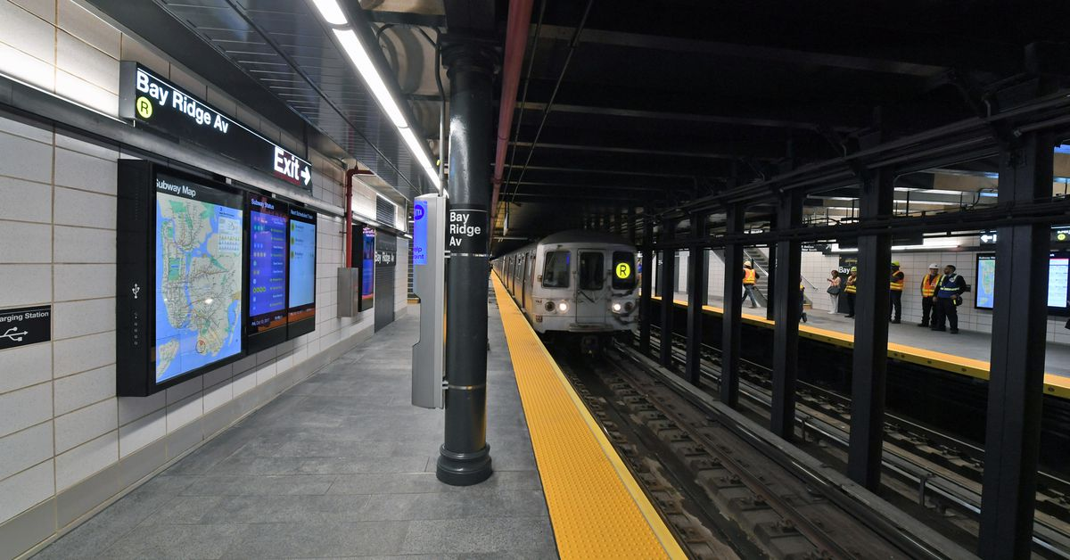 Mta Reopens Bay Ridge Avenue Station After Six Month