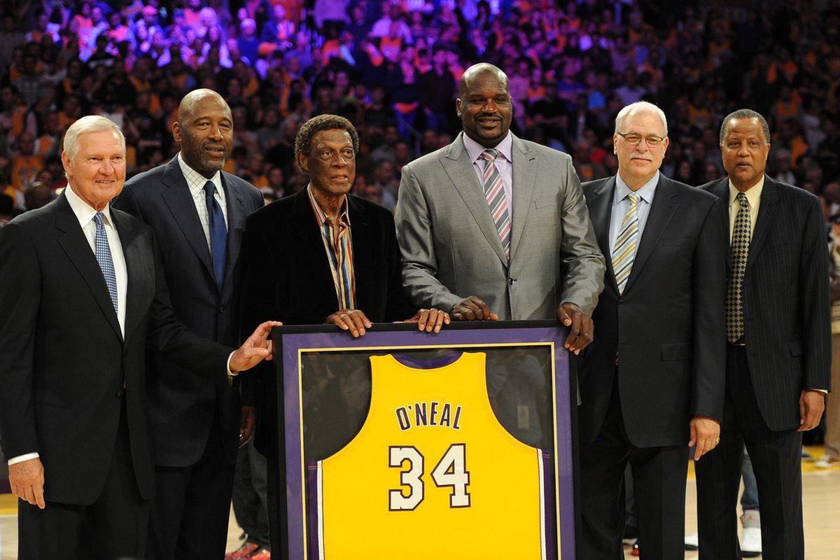 255f990c6ec Lakers retire Shaquille O Neal s jersey - SBNation.com