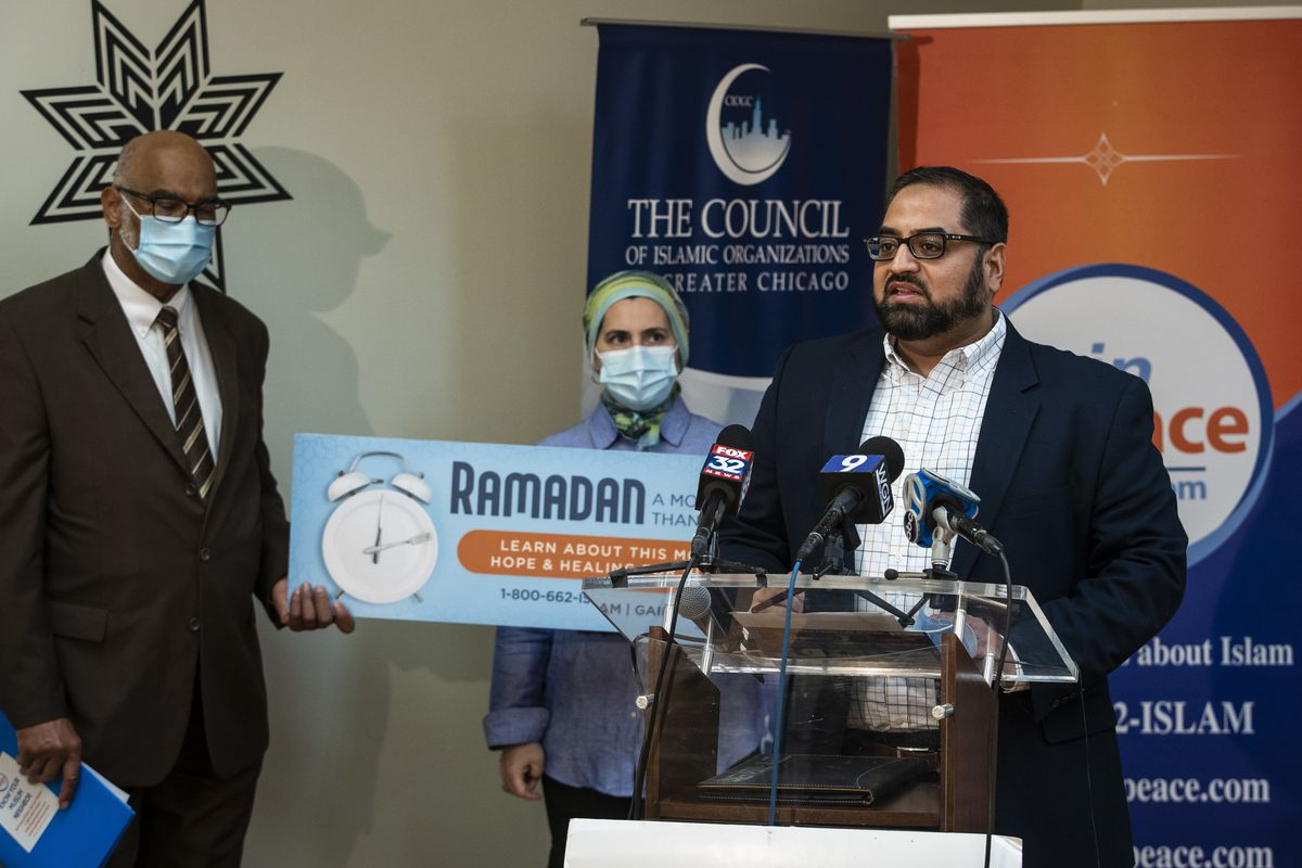 Aamer Abdul-Jaleel, president of the Muslim Association of Bolingbrook, discusses a billboard on I-294 near O'Hare International Airport and a 4-week campaign by GainPeace and the Council of Islamic Organizations of Greater Chicago, designed to educate others about Ramadan, during a news conference Wednesday at CIOGC headquarters in the Loop.