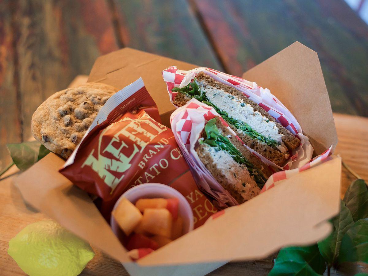 Sandwich box from the Farmhand