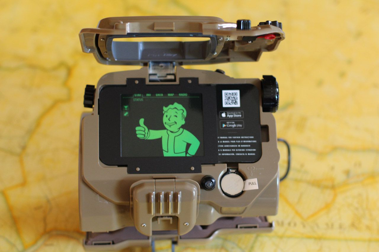 iphone pip boy this is a fallout 4 pip boy edition unboxing polygon 8453