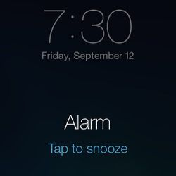 <strong>7:30am</strong> Wake up time. First day of Capsule. I must admit. I did tap to snooze.