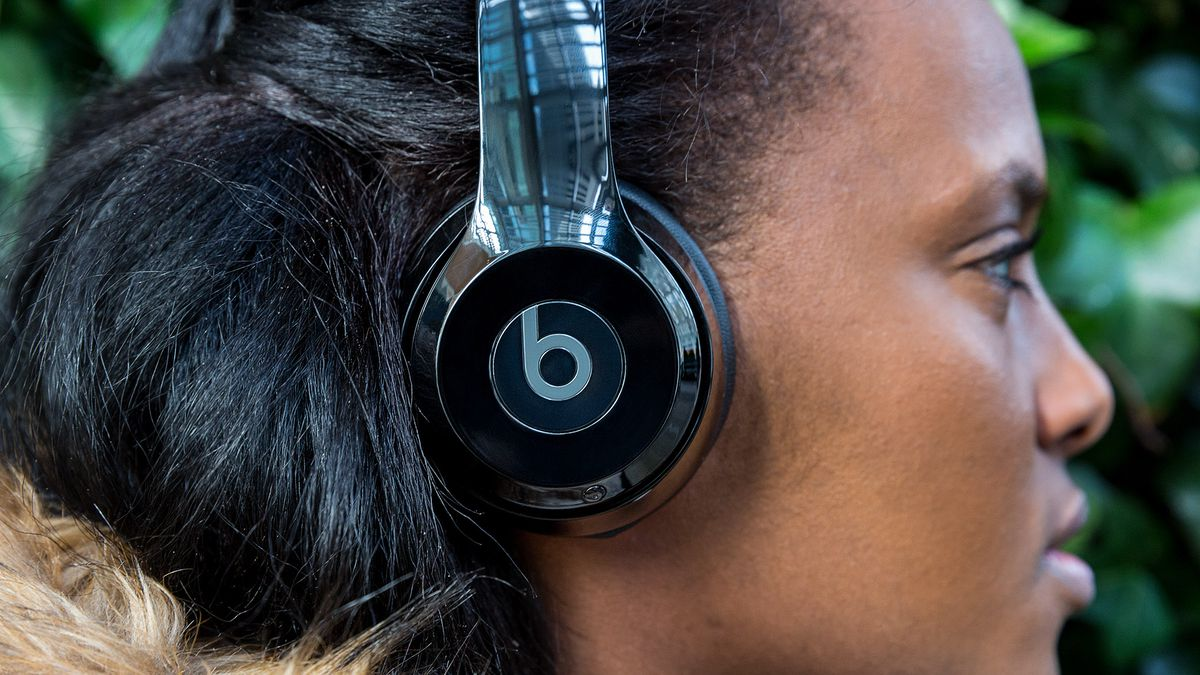 Beats Solo 3 Review Decent Sound Better Wireless The Verge