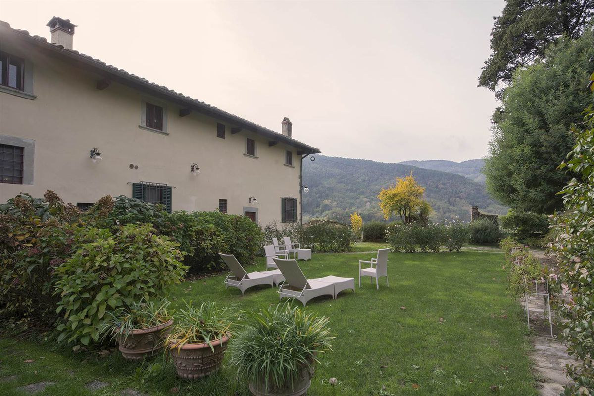 Incredible Tuscan Villa Can Be Yours For 1 15m Curbed