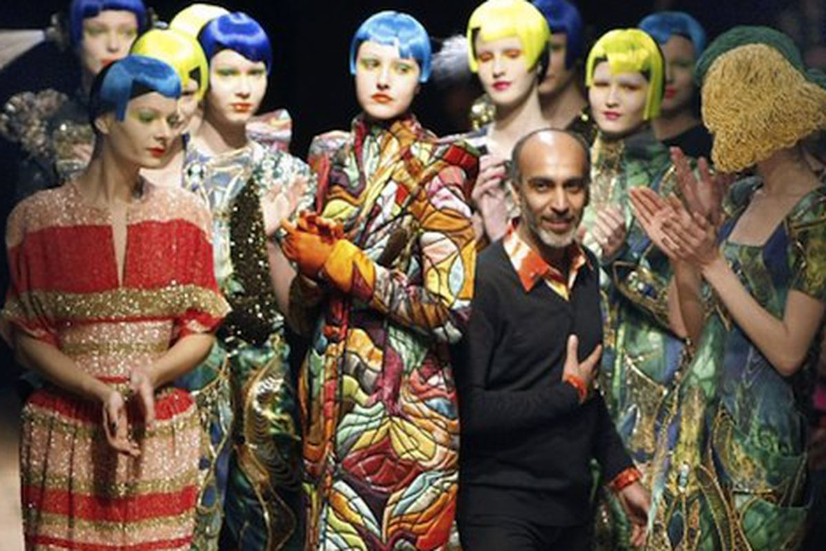 """Manish Arora presents his Fall 2010 collection in Paris, via <a href=""""http://news.bbc.co.uk/2/hi/in_pictures/8549728.stm"""">BBC News</a>"""