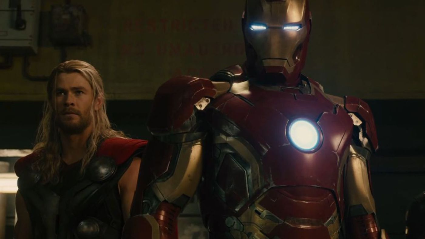 Watch Iron Man Battle Ultron In The Latest Avengers Clip Verge Circuit Superhros Marvel Comics Logostore