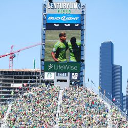 DeAndre Yedlin celebrates his game-tying goal in the 65th minute at CenturyLink Field.