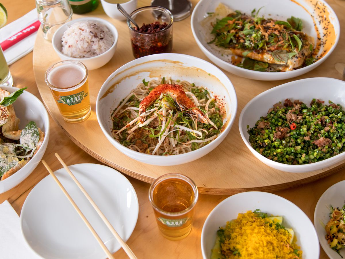 Danzi noodles, oyster omelet, fly's head, and other dishes at Win Son