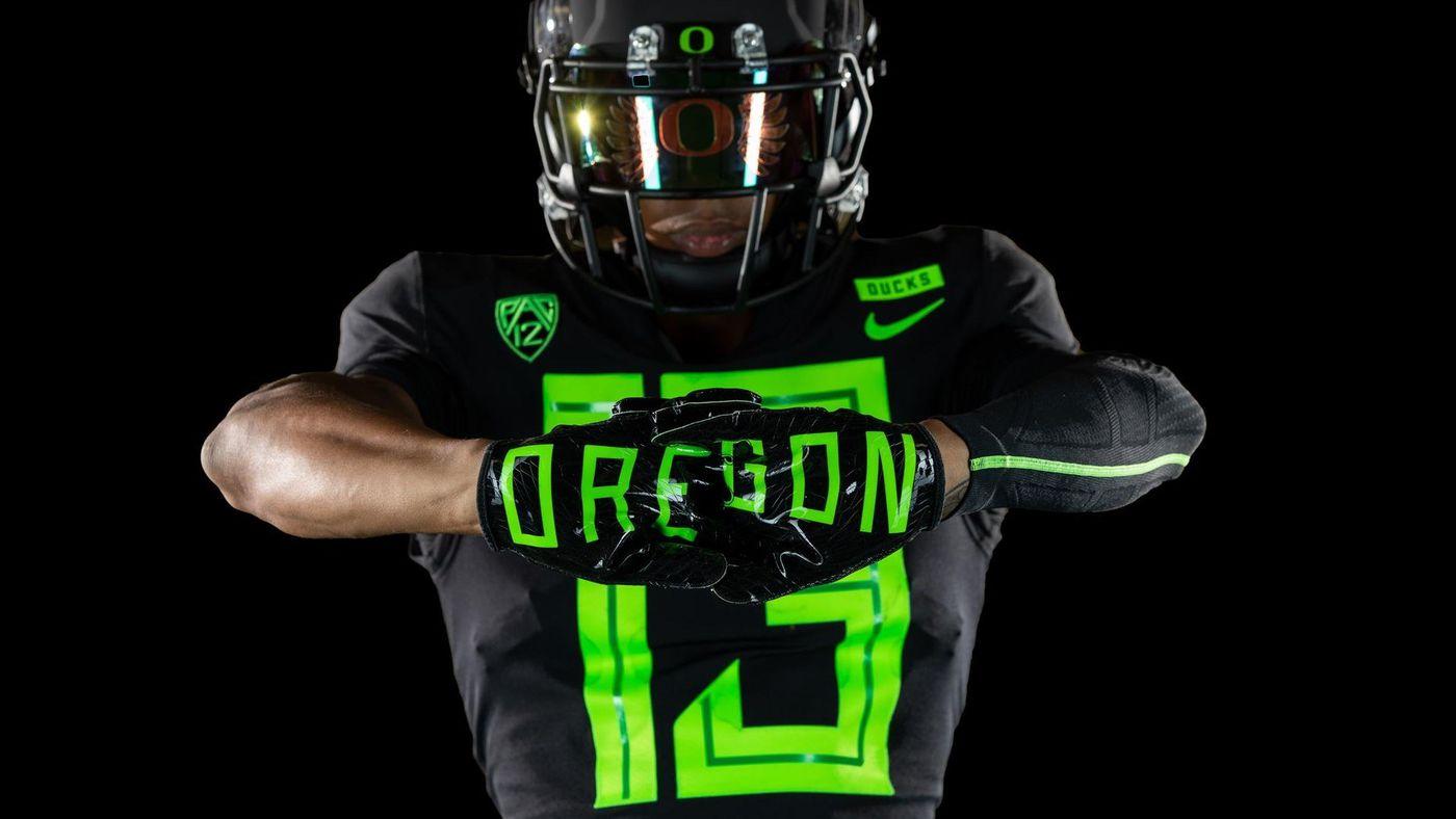 977572222 Oregon s new uniforms are fresh