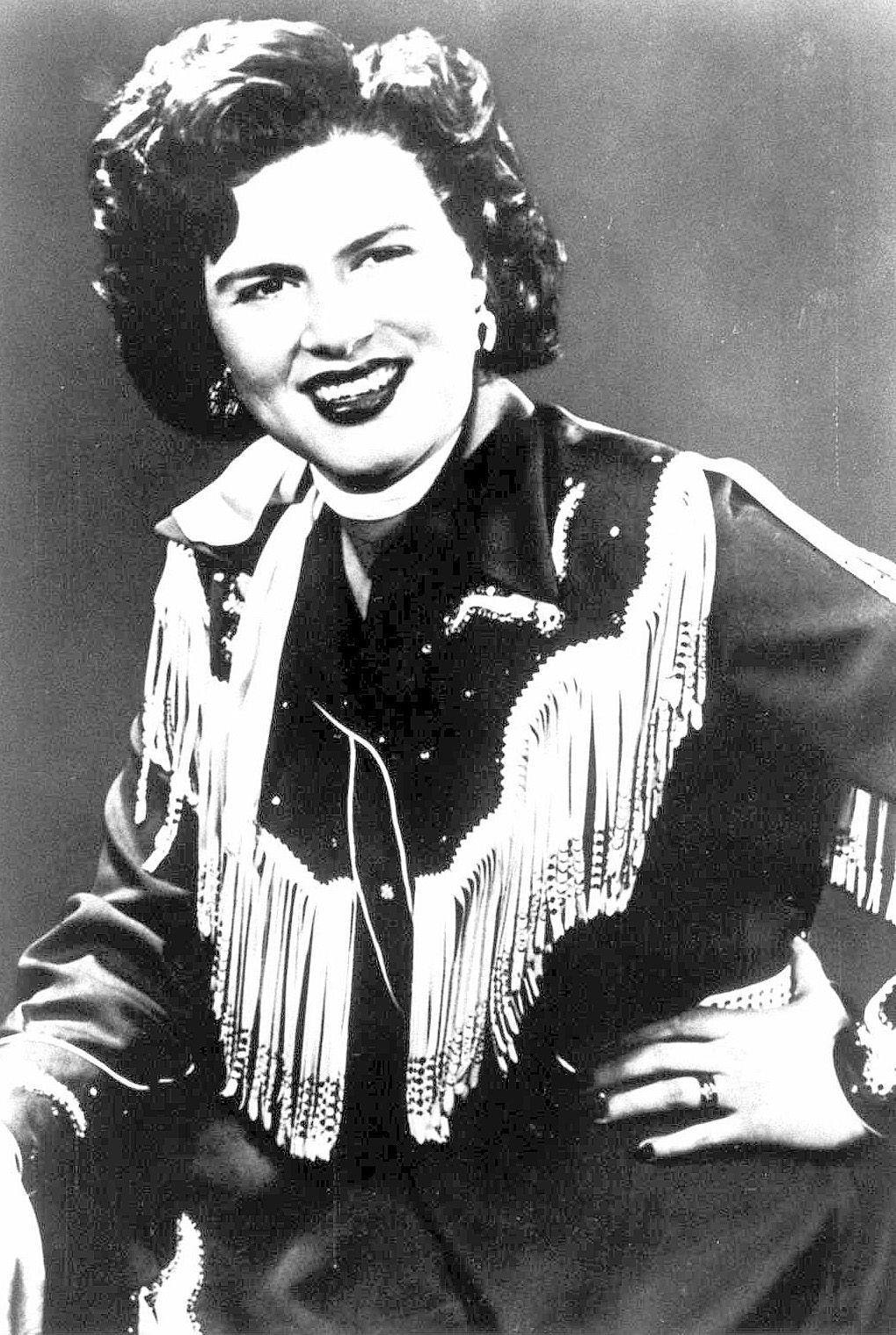 Patsy Cline became best friends with Loretta Lynn in the early 1960s.