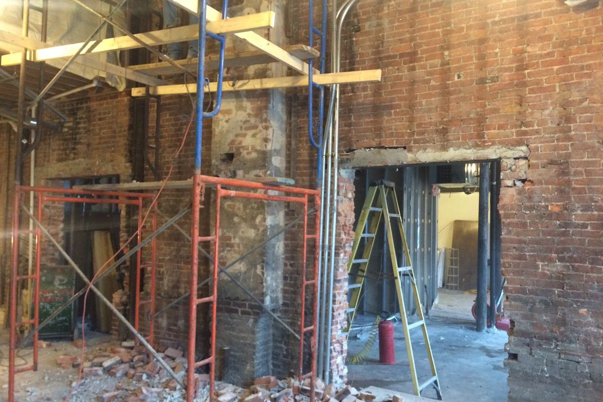 construction of the entrance from the main dining room at srv to the private dining room provided by the coda group