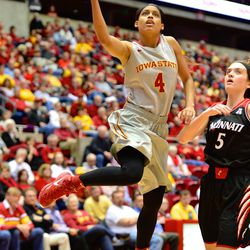 Iowa State ranks 9th in the nation in assists per game (21.7). ISU is led by <strong>Nikki</strong> <strong>Moody</strong> with 20 this season. (11/24/2014)