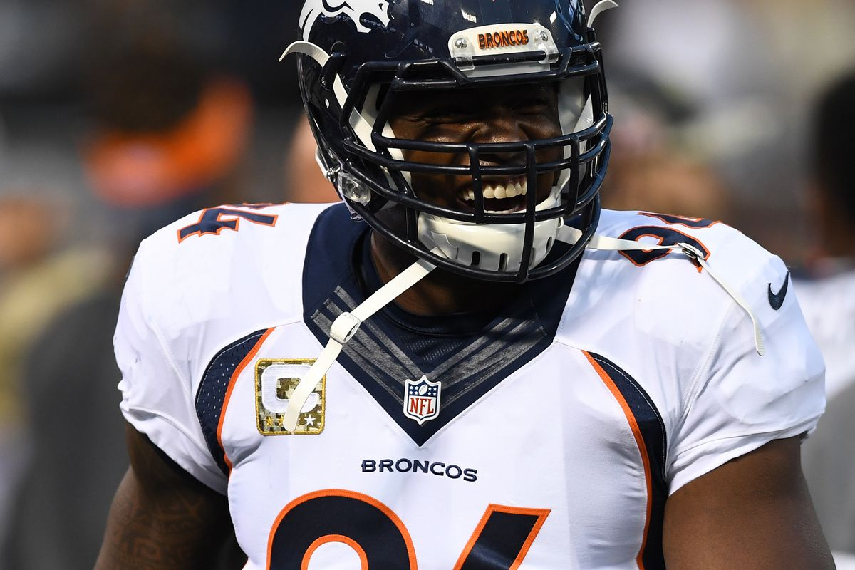 DeMarcus Ware back on familiar turf to talk hunting QBs - Mile High ... 367b0c293