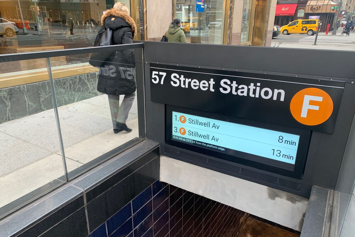 Wait times are displayed for Brooklyn-bound F train service in Manhattan.