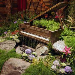 Missouri-based interior designer Rachel Robb of Revamp & Revive created this custom piano waterfall.