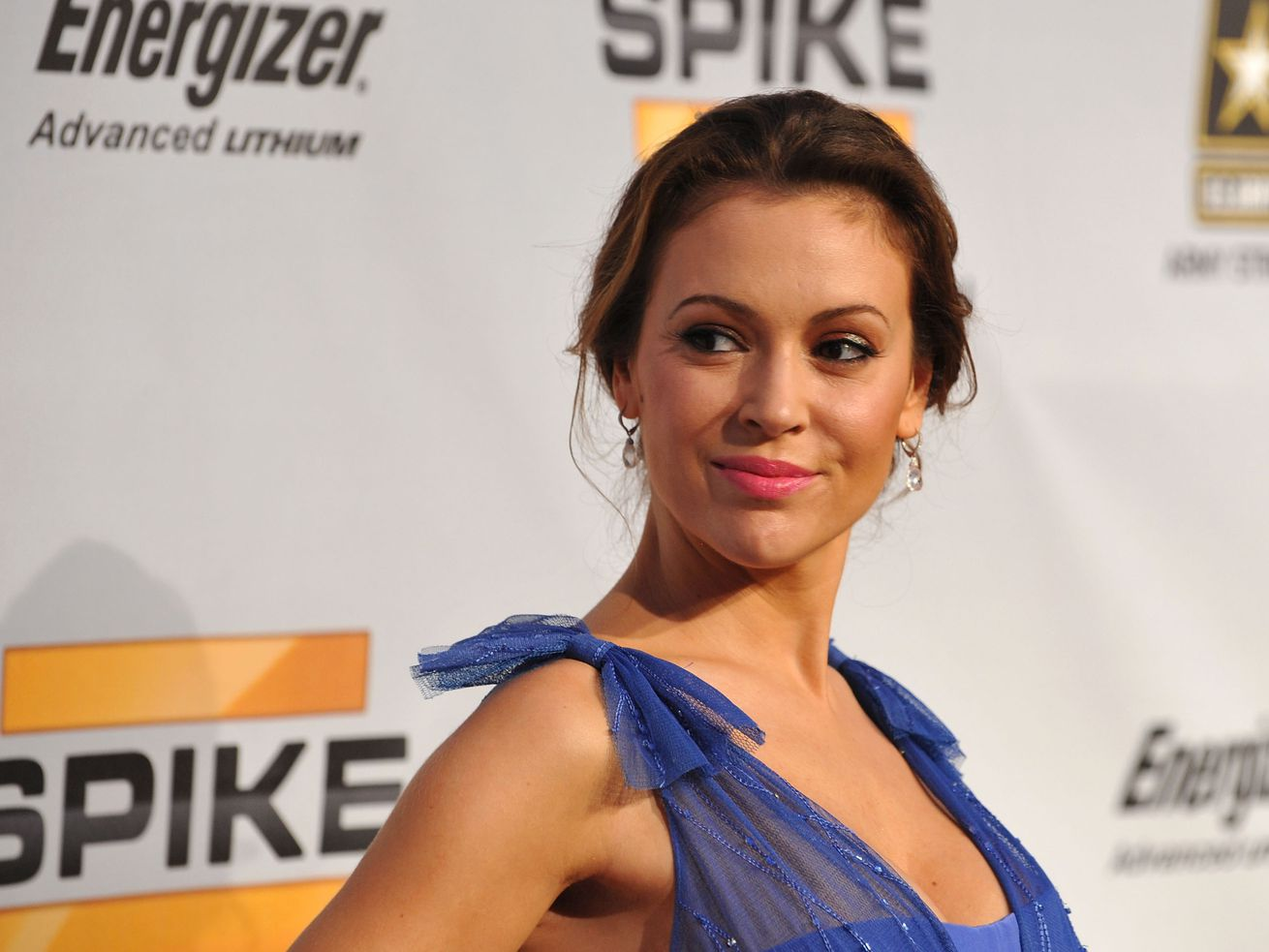 Actress Alyssa Milano arrives at Spike TV's 7th Annual Video Game Awards on December 12, 2009 in Los Angeles, California.