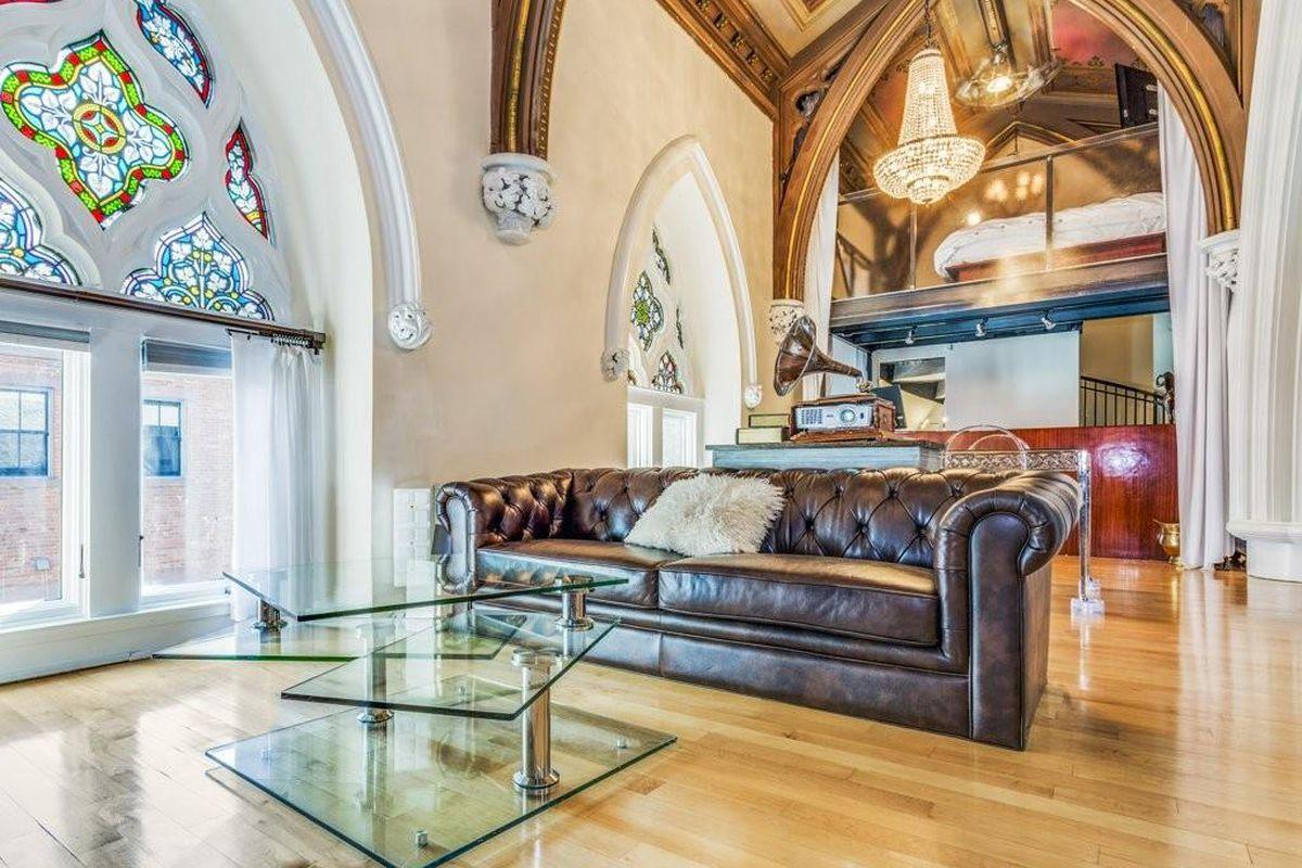 airy south boston loft born of a 1995 church conversion - curbed